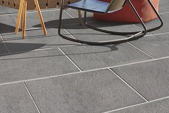 Terrassen Und Gartenplatten In Leichtrein Technologie Hausler